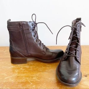 Rockport Cobb hill    Carrie lace up combat boot